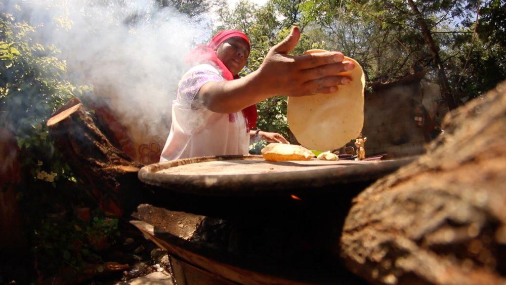 cocinera-tradicional-tortilla-ceremonial-ndp